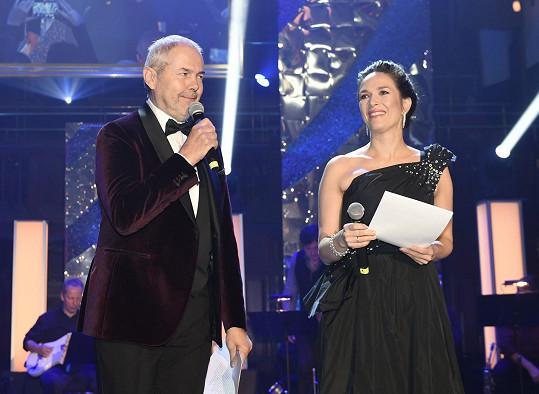 Akci nemohl moderovat nikdo jiný než sehraná dvojka Tereza Kostková a Marek Eben.