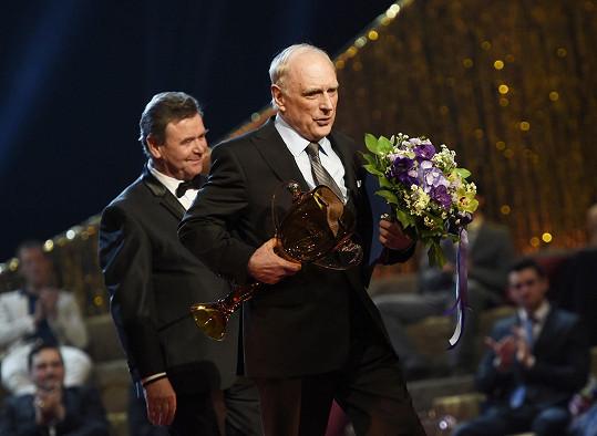 Za celoživotní dílo v oboru muzikál a opereta dostal stejnou cenu Ladislav Županič.
