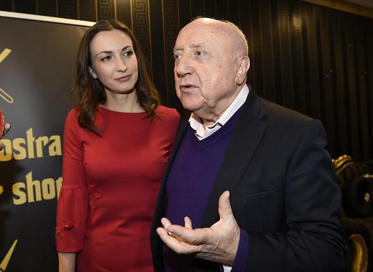 Felix Slováček s partnerkou Lucií Gelemovou