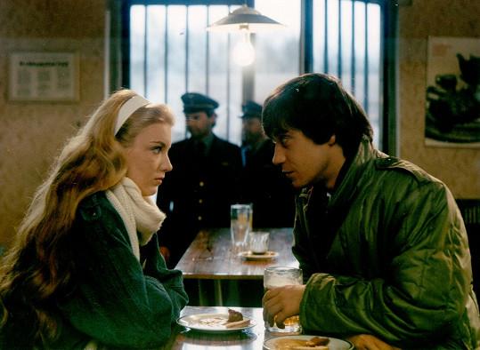 Eva a Pavel ve filmu Jak básníkům chutná život (1987).