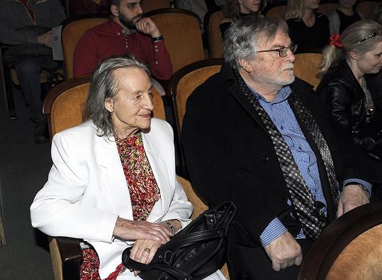 Nina Divíšková s manželem Janem Kačerem v kině