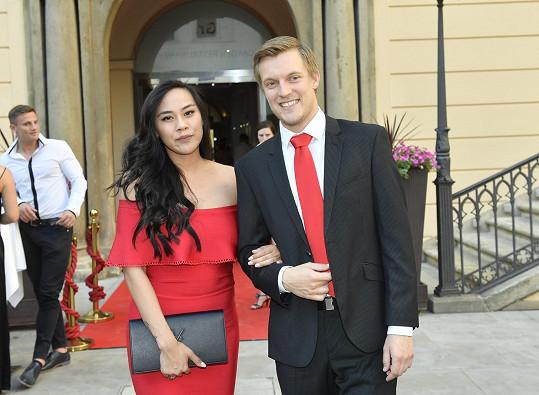 Krasobruslař se svou partnerkou