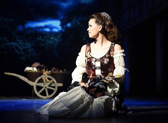 Karolina jako Markétka v Mefistovi.