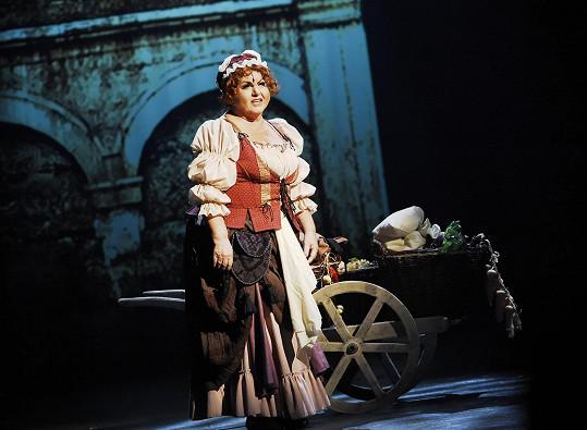 Hanka Křížková jako hospodská Julietta v muzikálu Mefisto