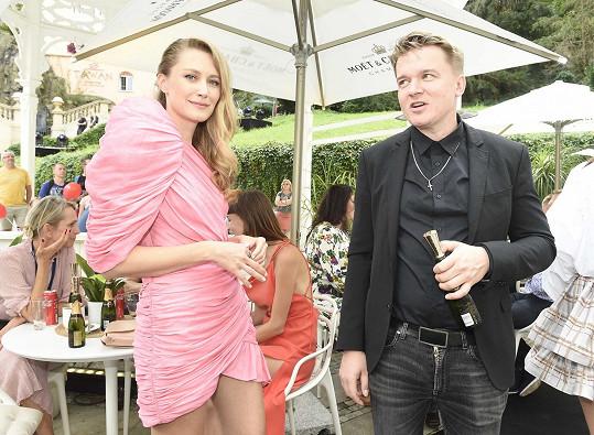 Do řeči se dala i s režisérem a scenáristou Petrem Kolečkem.