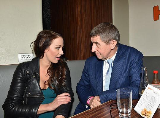 Ale na párty pořadu Limuzína už seděla v klidu vedle Andreje Babiše.