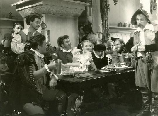 Adina Mandlová ve slavném filmu s tehdejšími hvězdami Národního divadla.