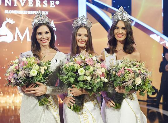 Nové královny krásy: zleva Laura Longauerová, Klára Vavrušková a Barbora Hodačová.