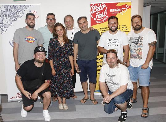 Nejen Tomáš Klus, ale i další umělci včetně Anety Langerové, Xindla X a kapel MIG 21 a Divokej Bill se těší na Létofest.