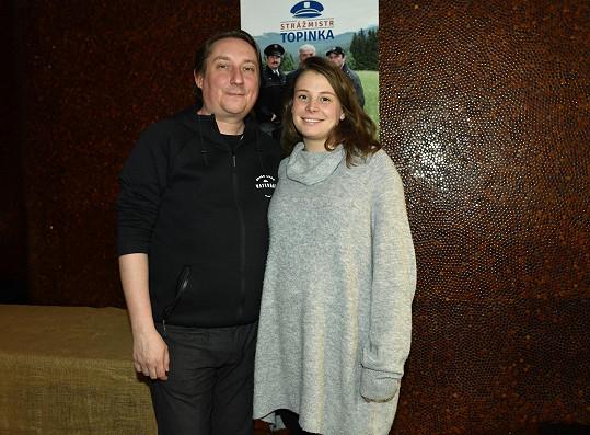 Mikluš se na promítání nového seriálu pochlubil svou partnerkou.