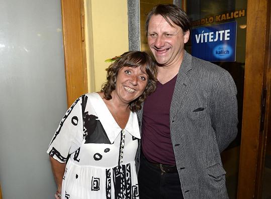 Bára Hrzánová s Radkem Holubem tvoří stabilní pár dvě desítky let.