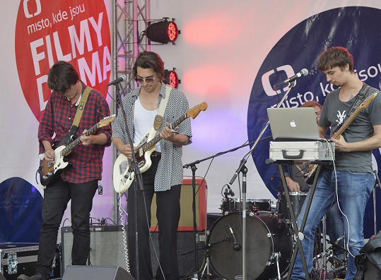 Jordan Haj ve Varech koncertoval se svou kapelou.