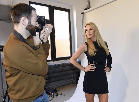 Modeling ale neopouští.