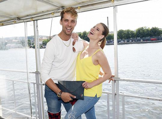 S kamarádem Laco Hudcem Šubrtem, který si zase upravil džíny na nový model.