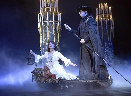 Michaela Gemrotová a Marian Vojtko v muzikálu Fantom opery.