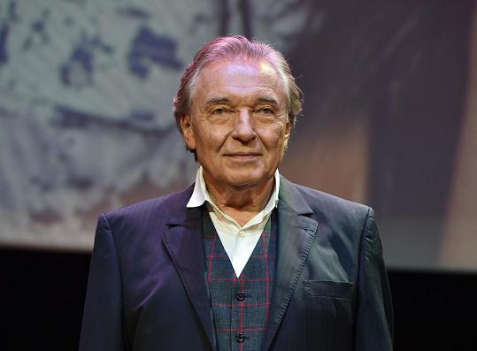 Mistr Karel Gott by oslavil 82. narozeniny.