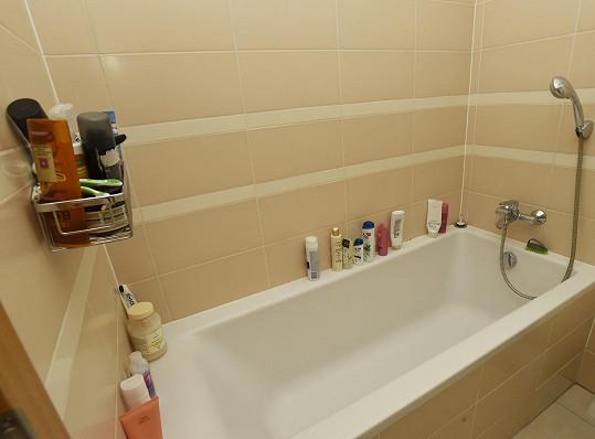 Ve spodní části bytu se pak nachází koupelna.