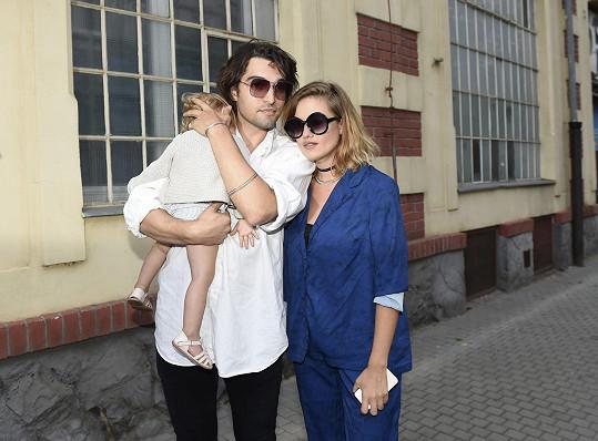 Emma Smetana s partnerem Jordanem a dcerou Lennon