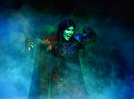 Elis Ochmanová jako zelená čarodějka Elphaba