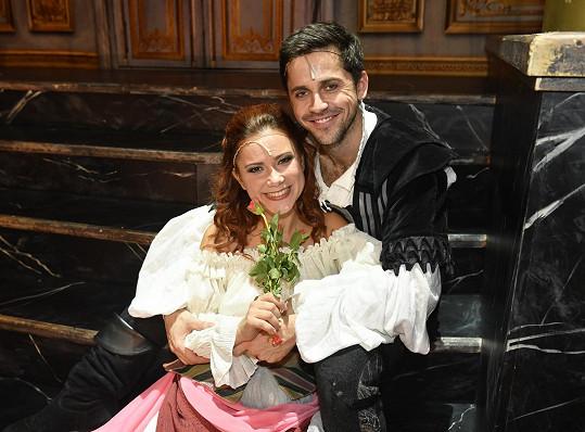 Petr Ryšavý s Ivanou Korolovou spolu v Mefistovi hrajou zamilovanou dvojici.