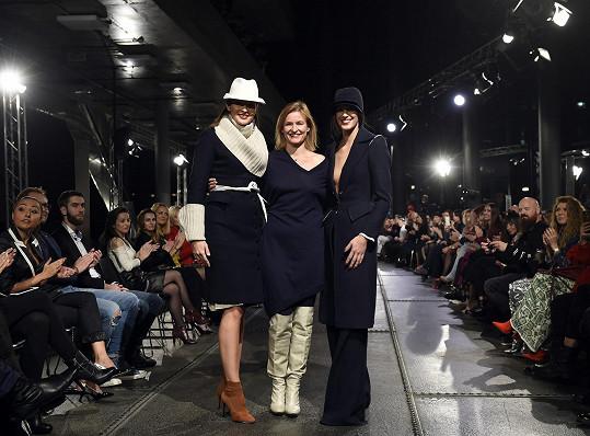 Aneta s Nikol Švantnerovou byly hvězdami módní přehlídky Kateřiny Geislerové.