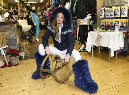 Andrea vybírala outfit na zimní lyžařskou sezónu.