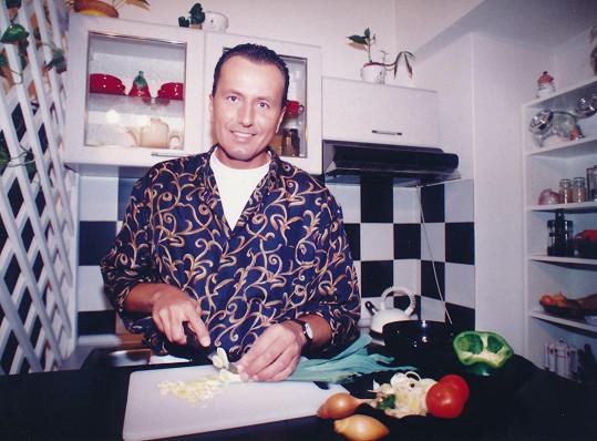 V 90. letech byl televizní hvězdou.