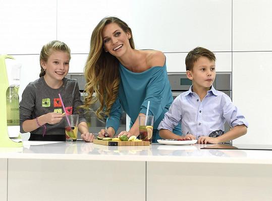 Andrea se svými dětmi Vanessou a Danielem