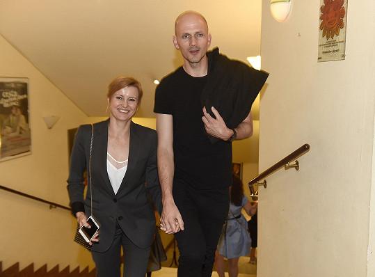 Podívat se přišla Jitka Schneiderová s partnerem.