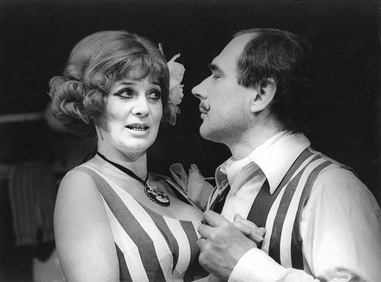 Laďka Kozderková s Ladislavem Županičem v muzikálu Zvonokosy (1983)
