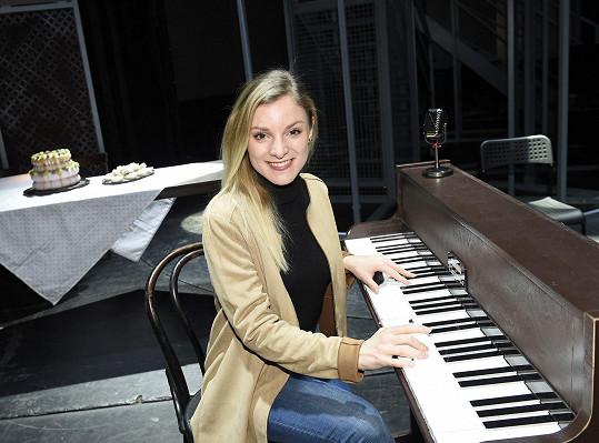 Muzikálová zpěvačka poslední týdny zkoušela nový muzikál.