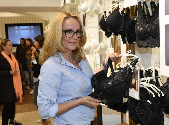 Vendula Pizingerová na představení nové kolekce spodního prádla