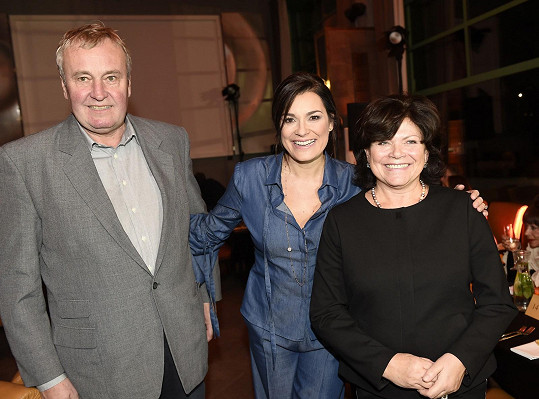 Alena Šeredová s rodiči