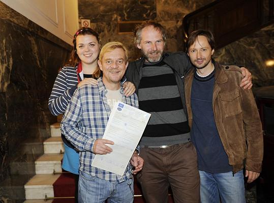Lucie Polišenská, Petr Čtvrtníček, režisér Jan Prušinovský a Jaroslav Plesl