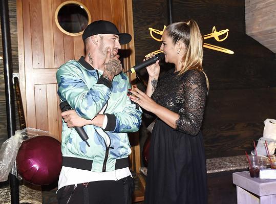 V rámci programu vystoupil s kamarádkou Leonou Gyöngyösovou.