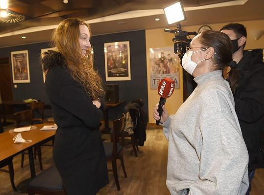 Mladá herečka při rozhovoru se Super.cz