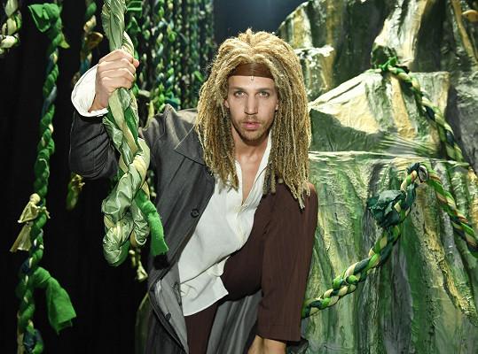Peter dostal hlavní roli Tarzana.