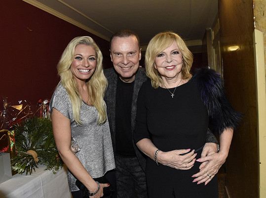 Lucie Borhyová s Hanou Zagorovou a Štefanem Margitou
