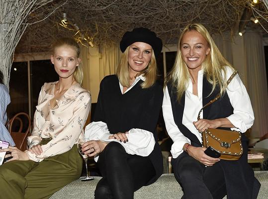 Síma s kamarádkami Veronikou Fašinovou a Renatou Langmannovou