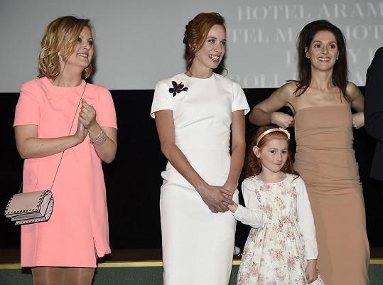 Na premiéře předchozího filmu Všechno nebo nic s Klárou Issovou a Tatianou Pauhofovou