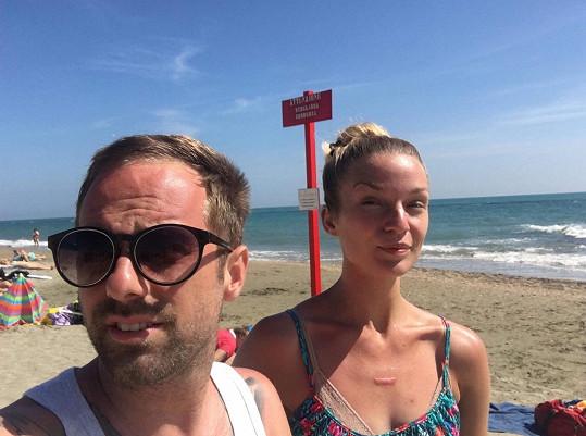 Petr na poslední dovolené s přítelkyní Markétou Šandovou
