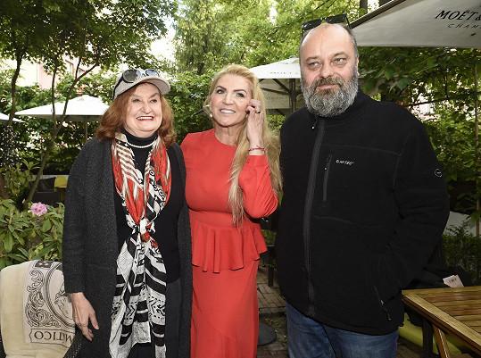Na akci dorazila herečka Eva Holubová a scenárista Petr Jarchovský, spisovatelčin spolužák z FAMU.