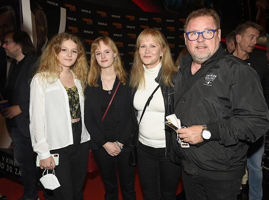 Václav Kopta s manželkou a dcerami