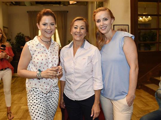 Korolová se v seriálu objeví s Vandou Hybnerovou a Markétou Plánkovou.
