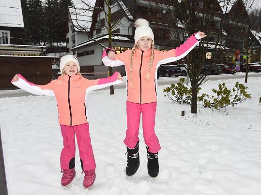 Focení zimní kolekce už holky považují za vánoční tradici.