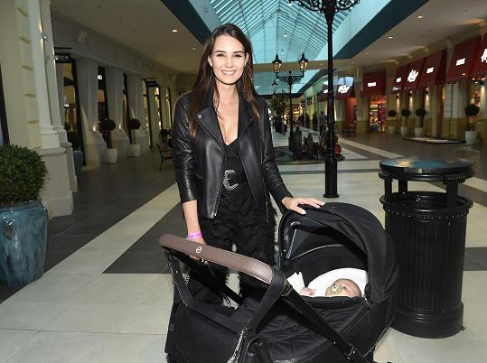 Modelka Kristýna Schicková se stala mámou syna Elliota.