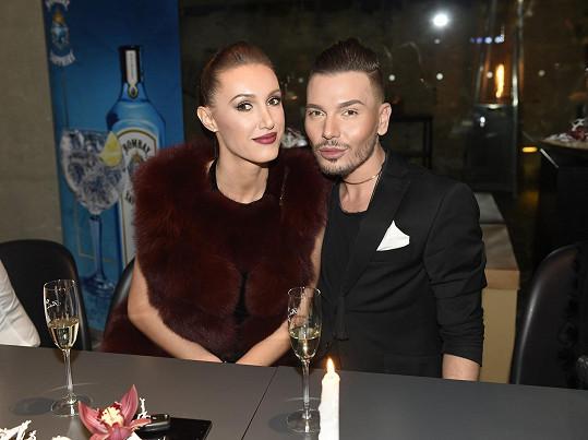 Sam Dolce, na snímku s Táňou Makarenko, Gelemovou kritizoval.