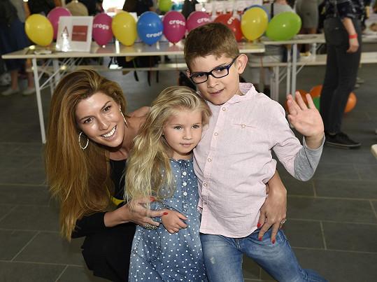 Victoria s dcerou Anabelle a synem Davidem