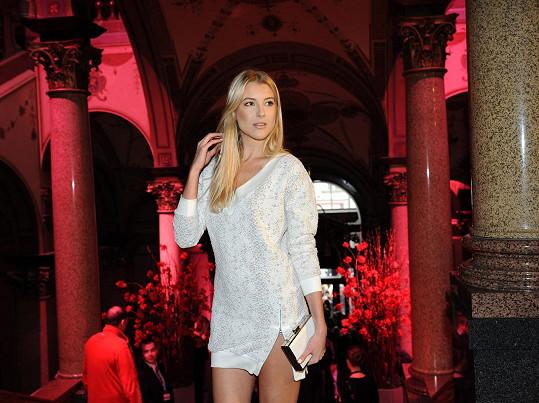 Jitka přišla zkouknout podzimní a zimní kolekce na Mercedes-Benz Prague Fashion Weekend.