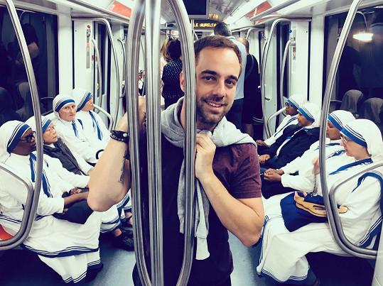 Kutheil se pochlubil i vtipnou fotkou z římského metra.